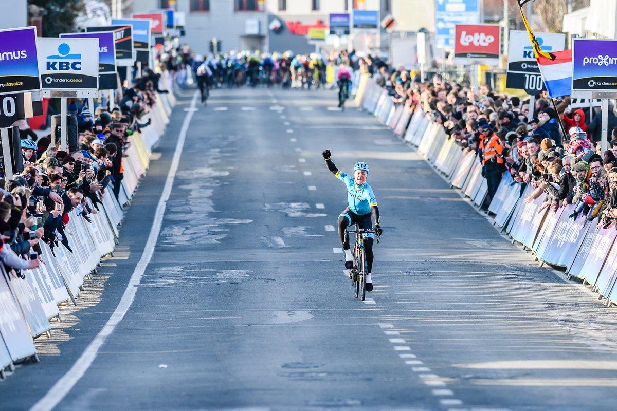 Michael Valgren vince la Omloop Het Nieuwsblad 2018