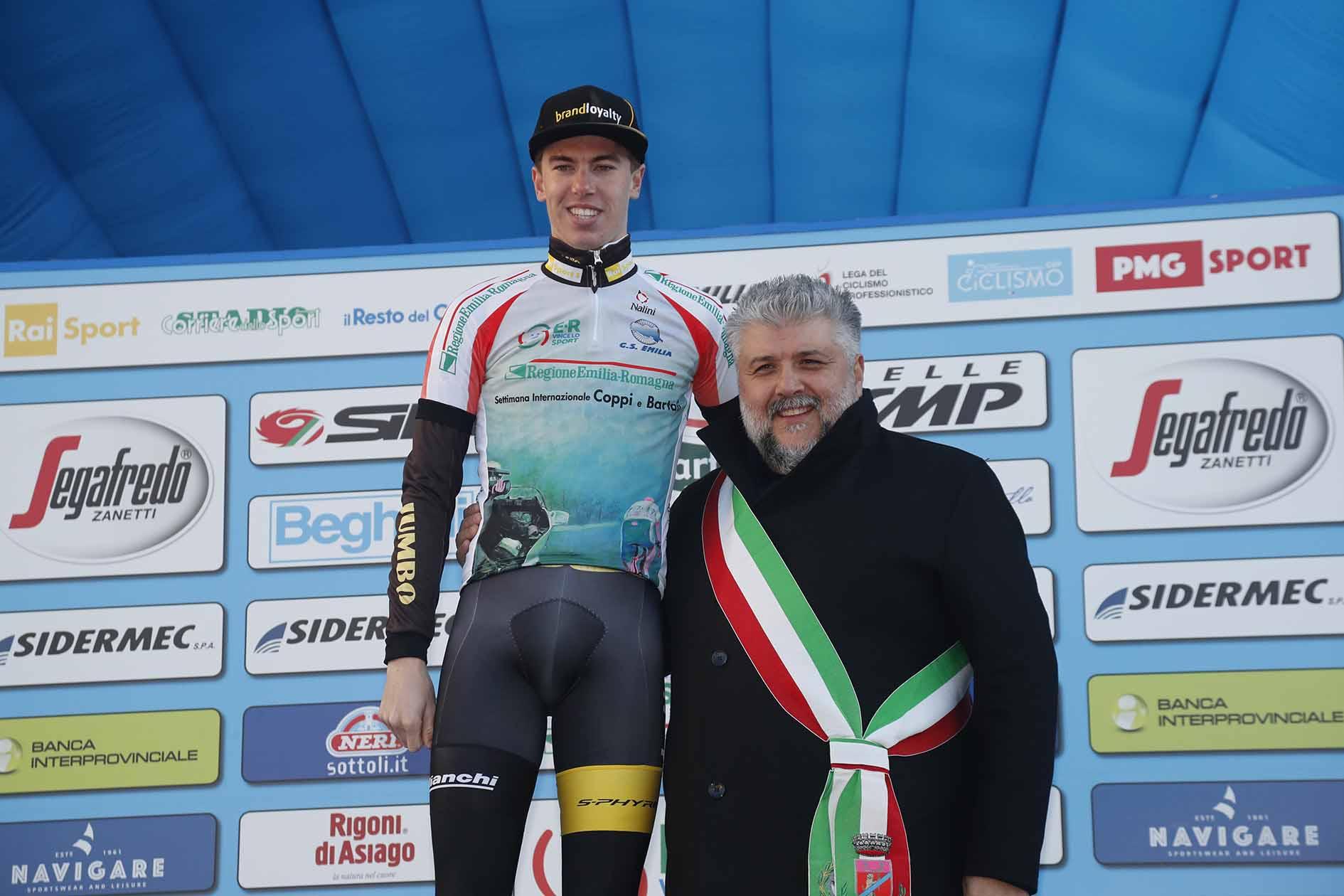 Pascal Eenkhoorn resta leader della Settimana Coppi e Bartali