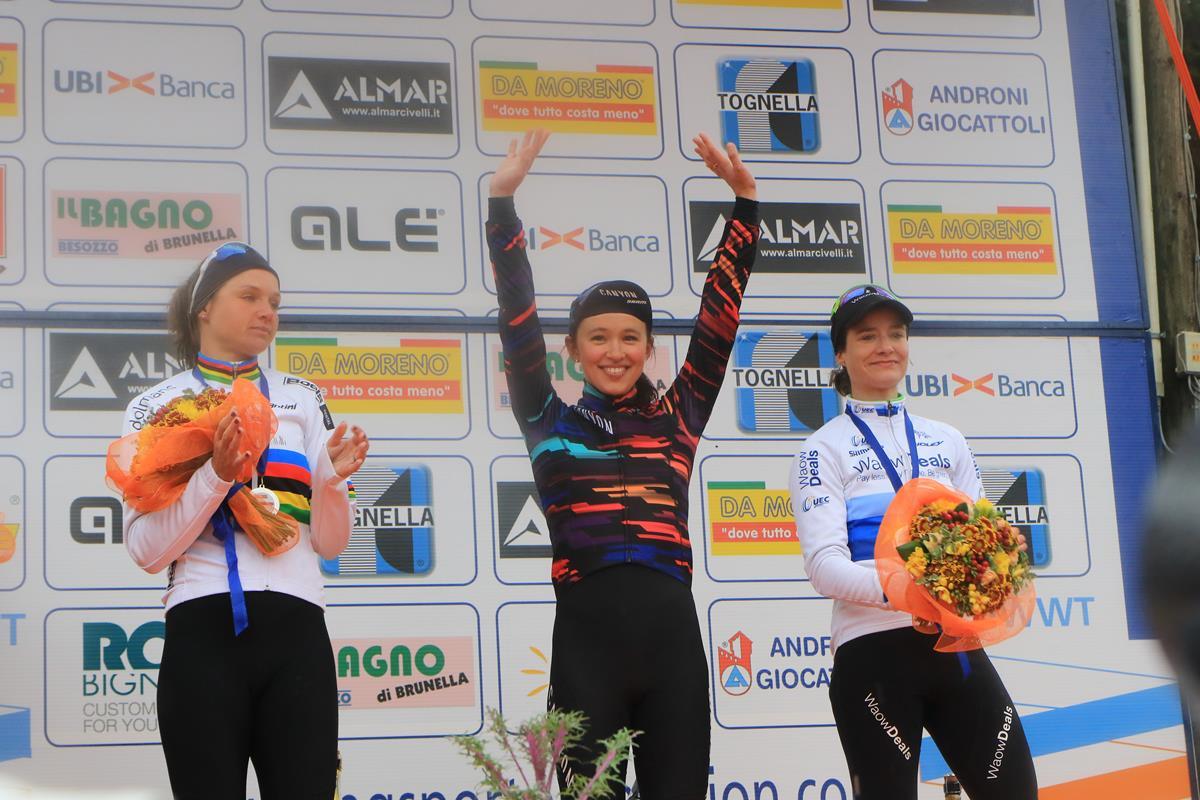 Il podio del 20° Trofeo Alfredo Binda a Cittiglio