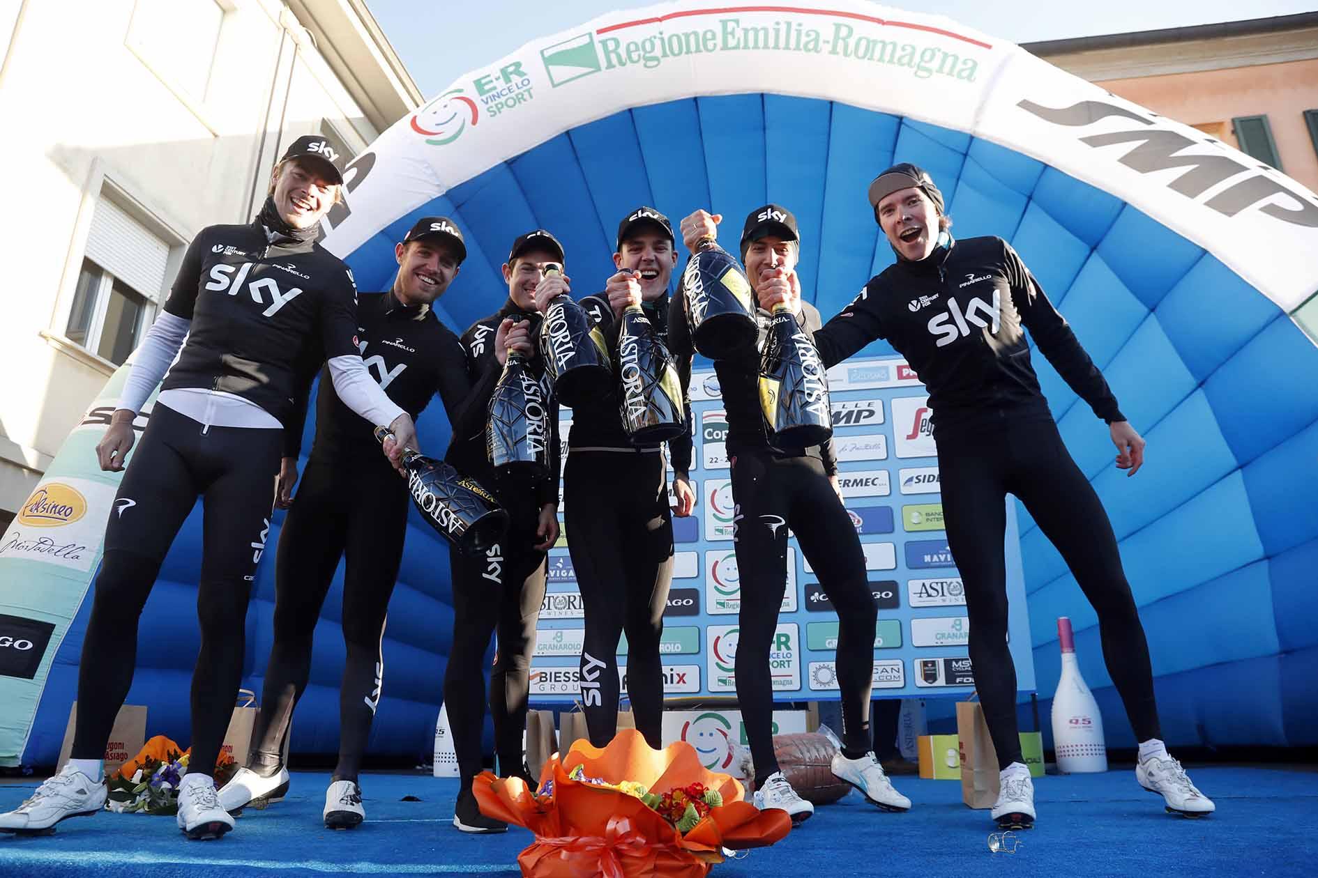 Il Team Sky vince la cronosquadre della Settimana Coppi e Bartali 2018 (foto Bettini)