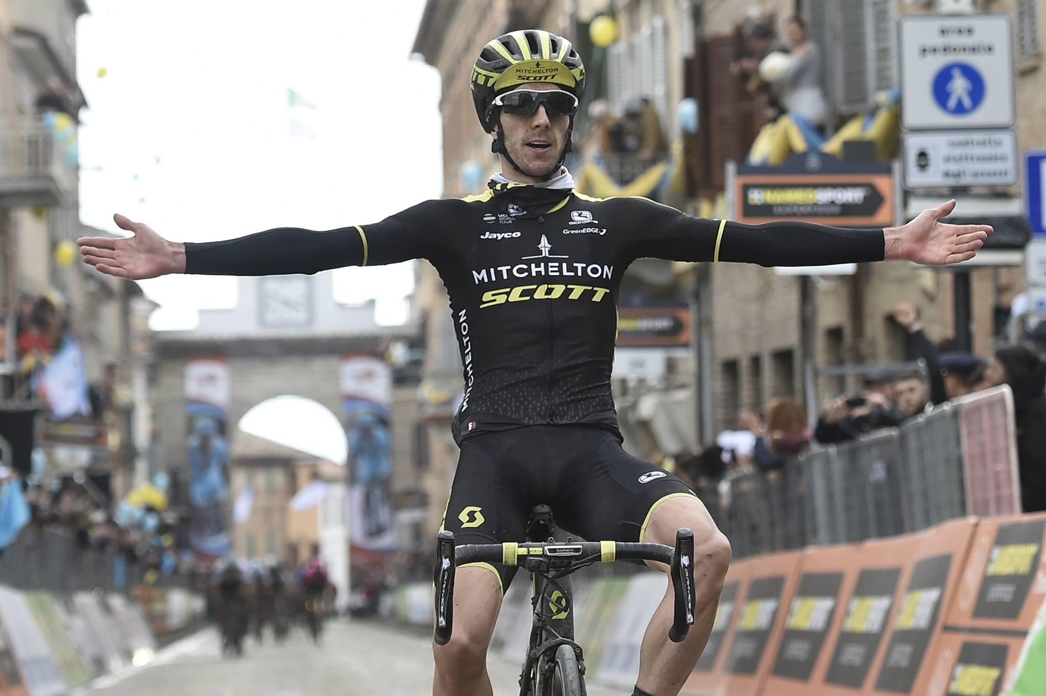 Adam Yates vince la quinta tappa della Tirreno-Adriatico a Filottrano