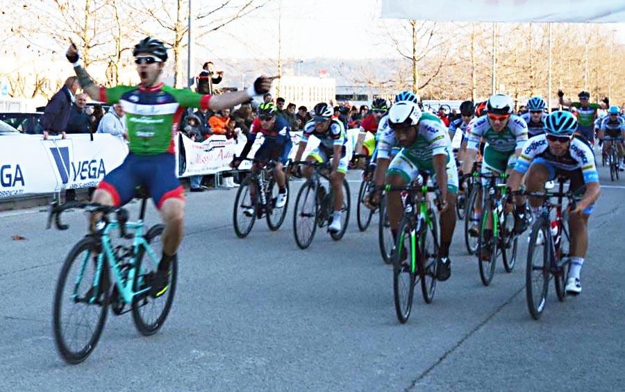 Gianmarco Begnoni vince a Civitanova Marche