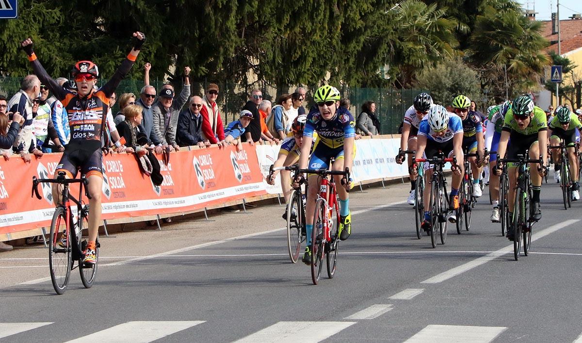 Raffaele Del Prete vince lo sprint a Pressana