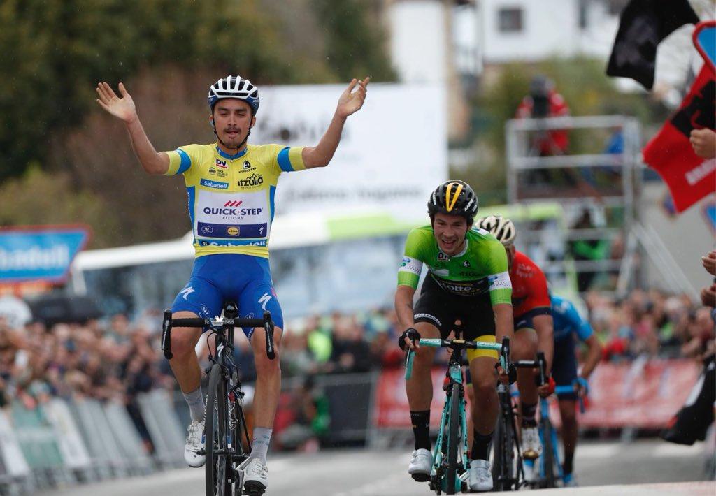 Julian Alaphilippe vince la seconda tappa del Giro dei Paesi Baschi