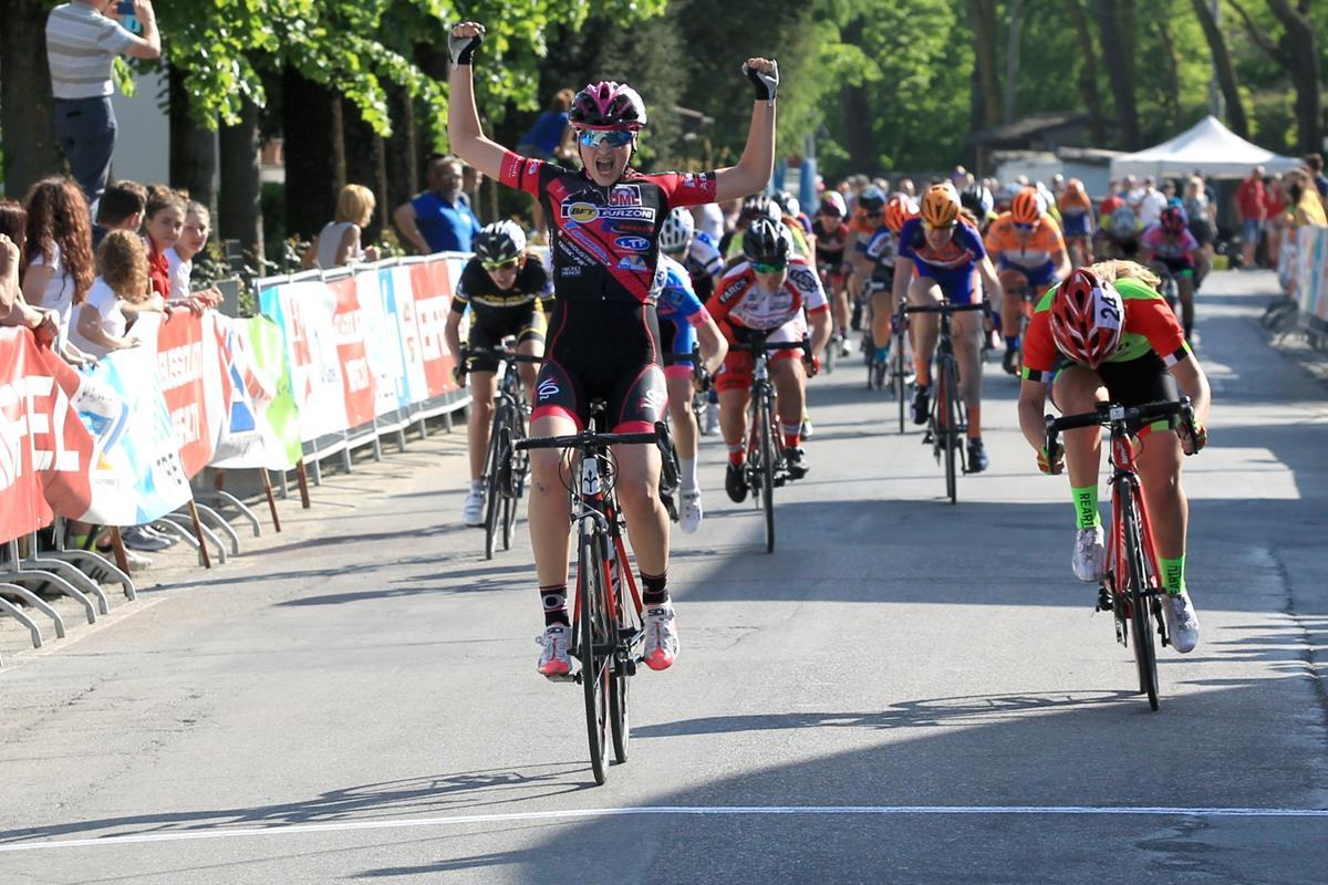 La vittoria di Giulia Raimondi tra le Donne Esordienti 2° anno a Bianconese