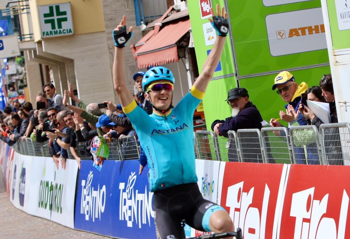 Pello Bilbao vince la prima tappa del Tour of the Alps