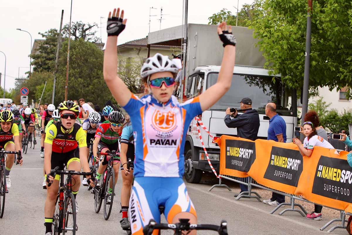 Greta Cettolin vince la gara Donne Esordienti di Bovolone