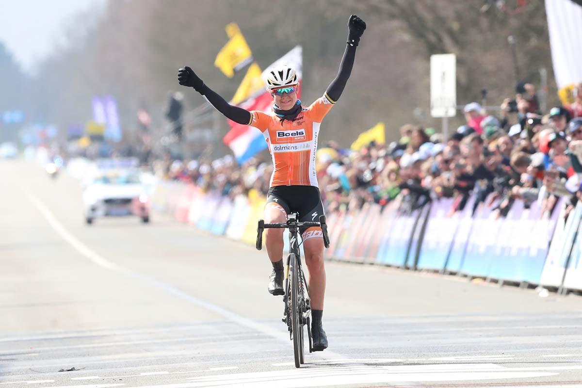 La vittoria di Anna van der Breggen al Giro delle Fiandre femminile 2018