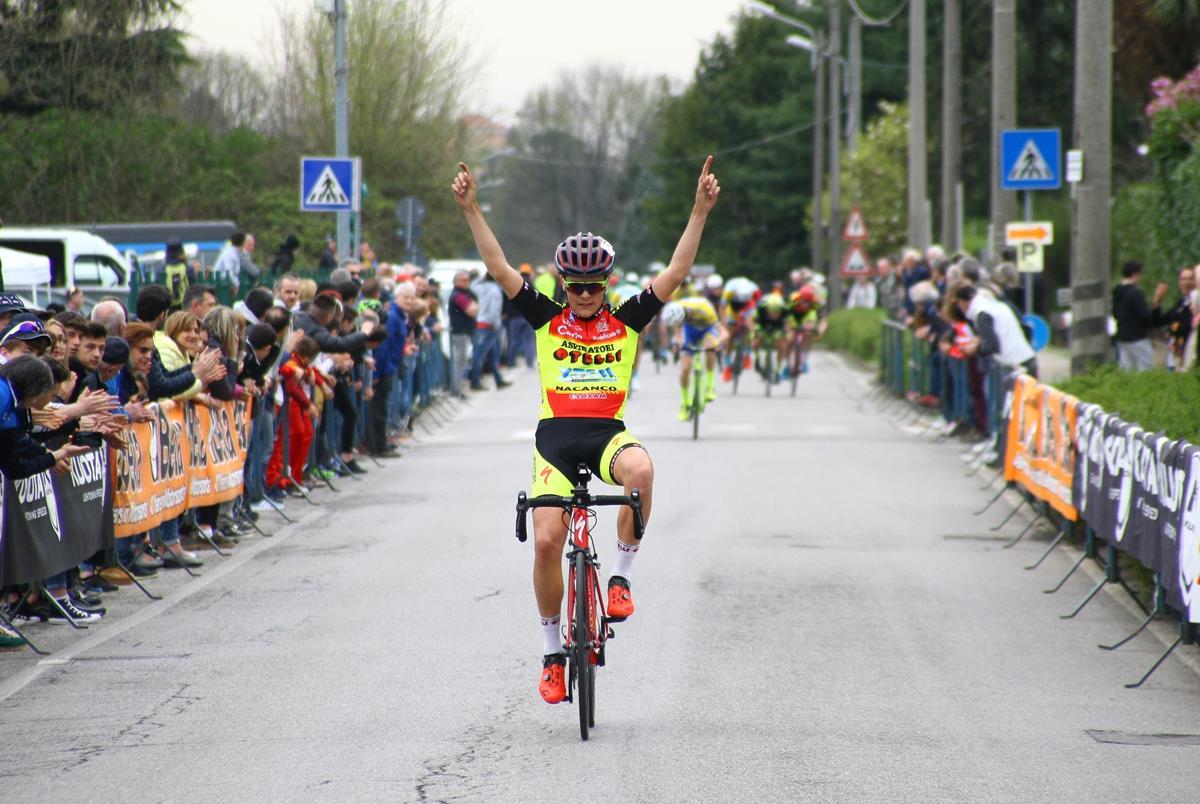 La vittoria di Davide Facchini a Correzzana