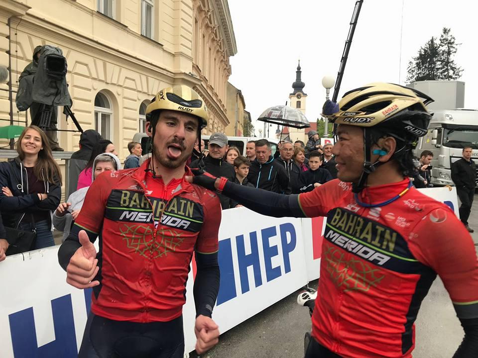 Niccolò Bonifazio festeggia la vittoria nella prima tappa del Tour of Croatia