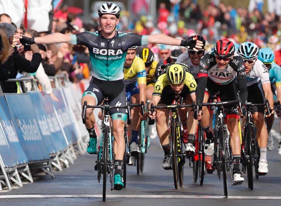 Jay McCarthy vince la terza tappa del Giro dei Paesi Baschi