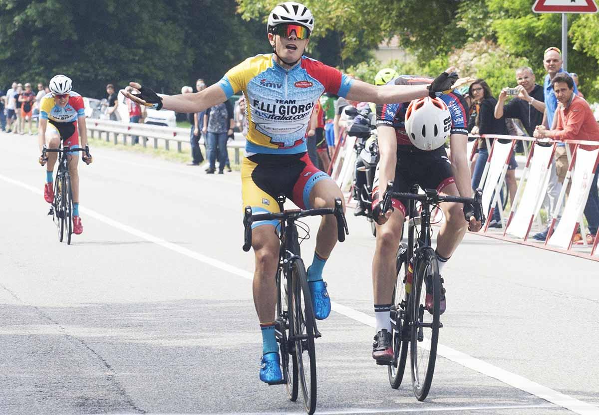 Giorgio Cometti vince a Cardano al Campo