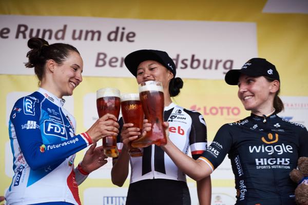 Coryn Rivera brinda alla prima vittoria stagionale nella prima tappa del Lotto Thüringen Ladies Tour