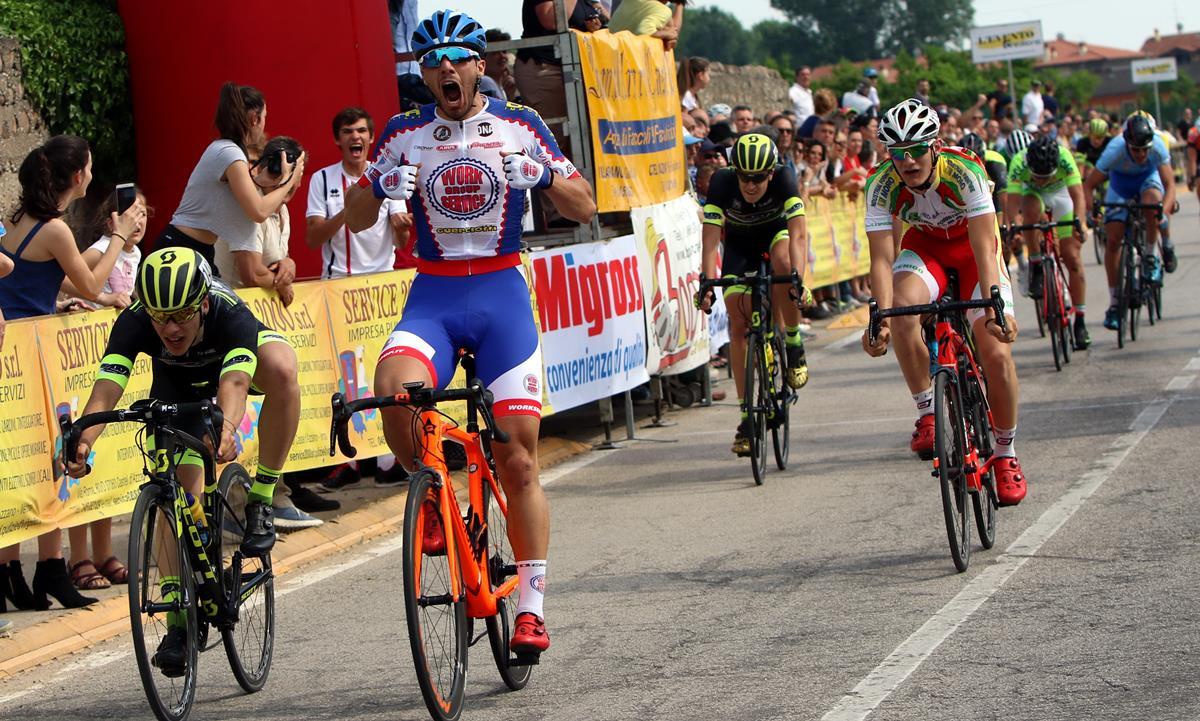 Matteo Boscaro vince a Castel d'Azzano