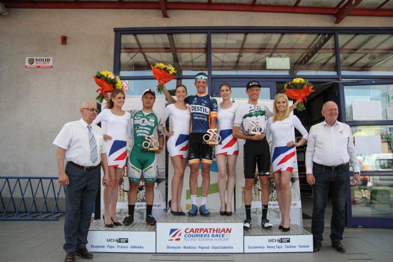 Il podio della quinta tappa del Carpathian Couriers Race