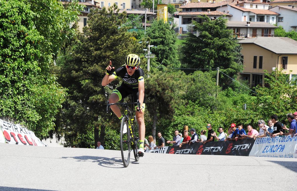 Andrea Piccolo vince a Brione