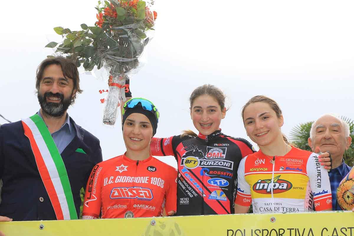 Il podio Donne Esordienti di Castel Mella