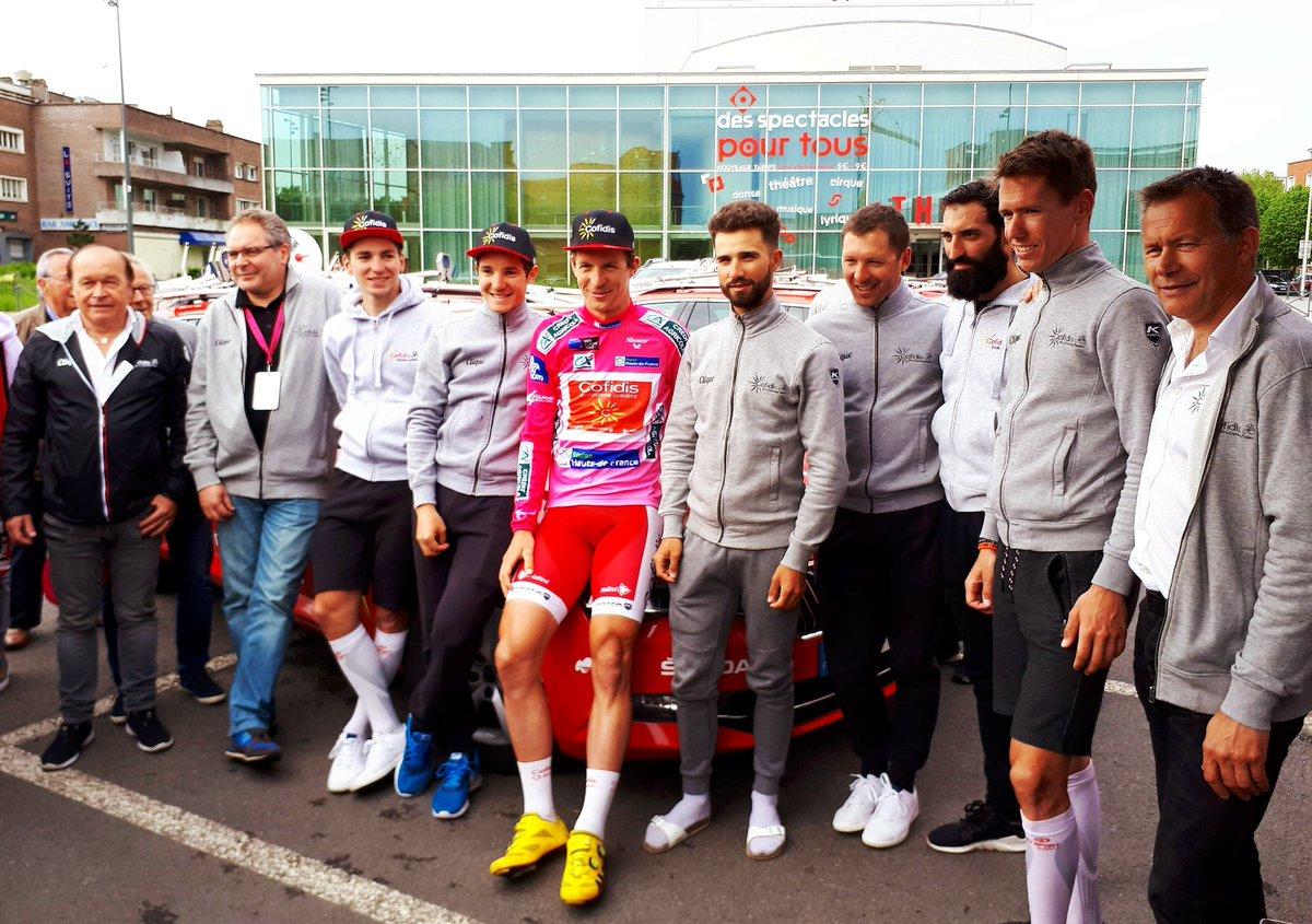 Dimitri Claeys festeggiato dai compagni per la vittoria della 4 Jours de Dunkerque