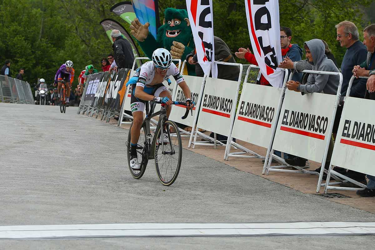 La vittoria di Lopez nella prima tappa della Vuelta al Bidasoa
