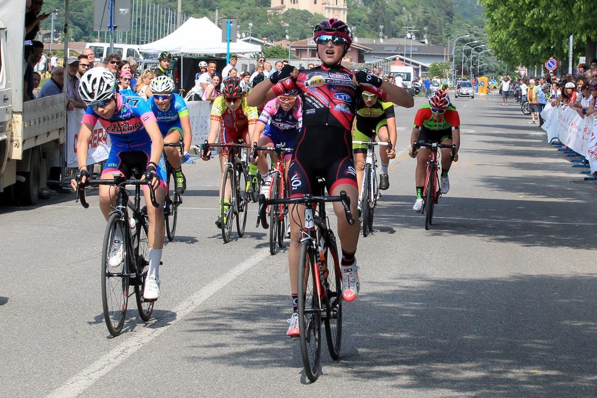 La vittoria di Giulia Raimondi nella gara Donne Esordienti di Nuvolento