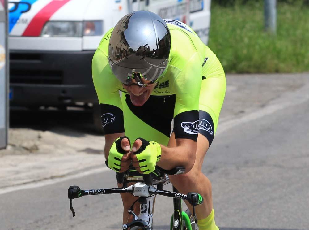 Andrea Piccolo in azione nella crono di Romanengo