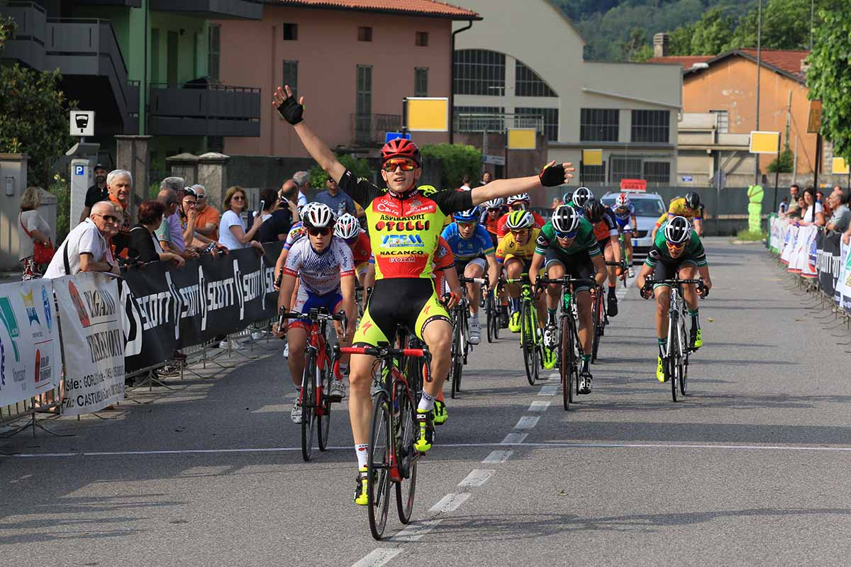 Luca Rezzaghi vince a Nembro