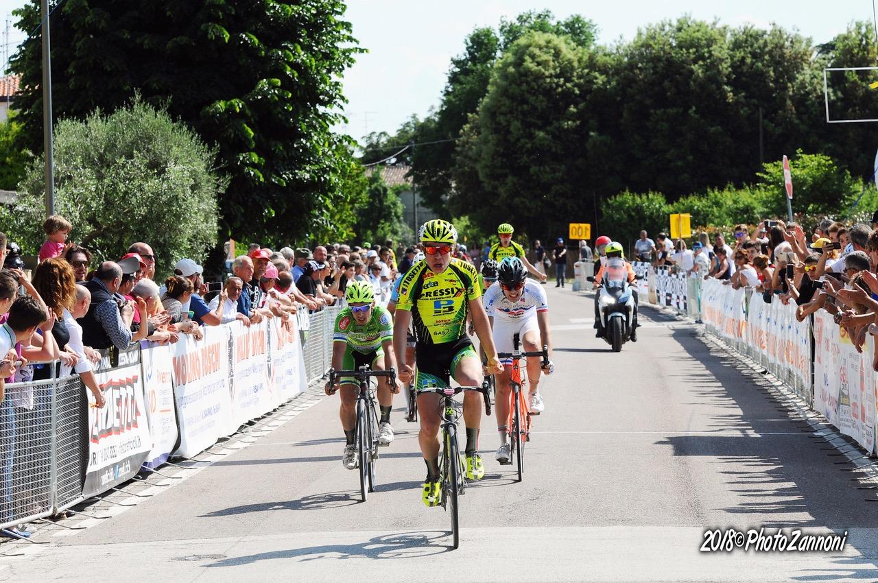 Tommaso Dalla Valle vince la gara di Villanova di Ravenna