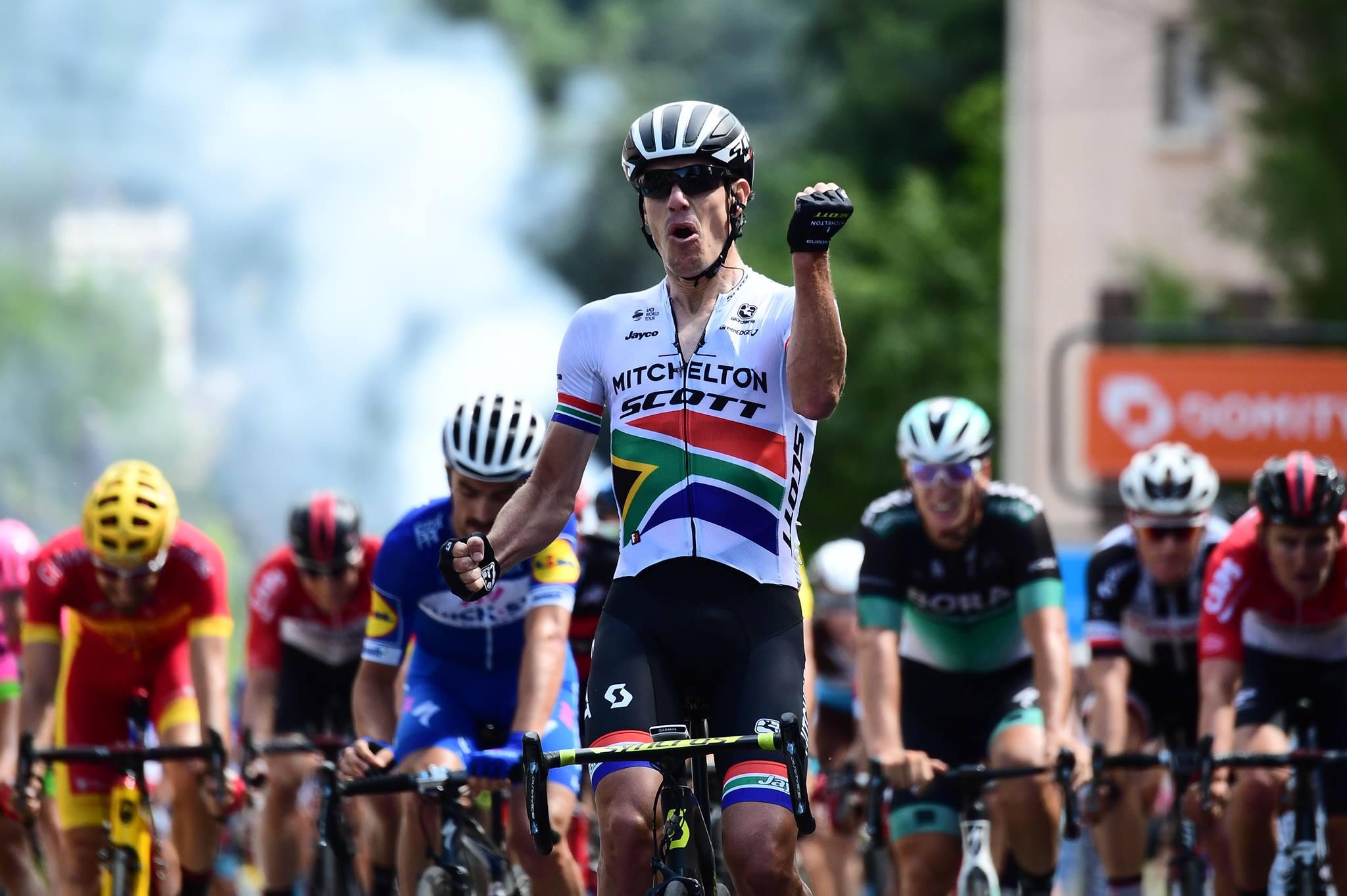 Daryl Impey vince la prima tappa del Critérium du Dauphiné 2018