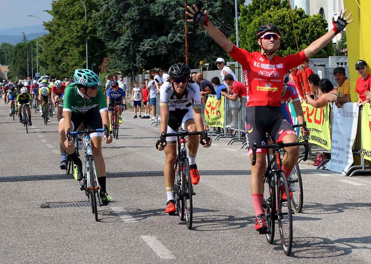 Filippo Mason vince la gara Esordienti 2° anno di Castel d'Azzano