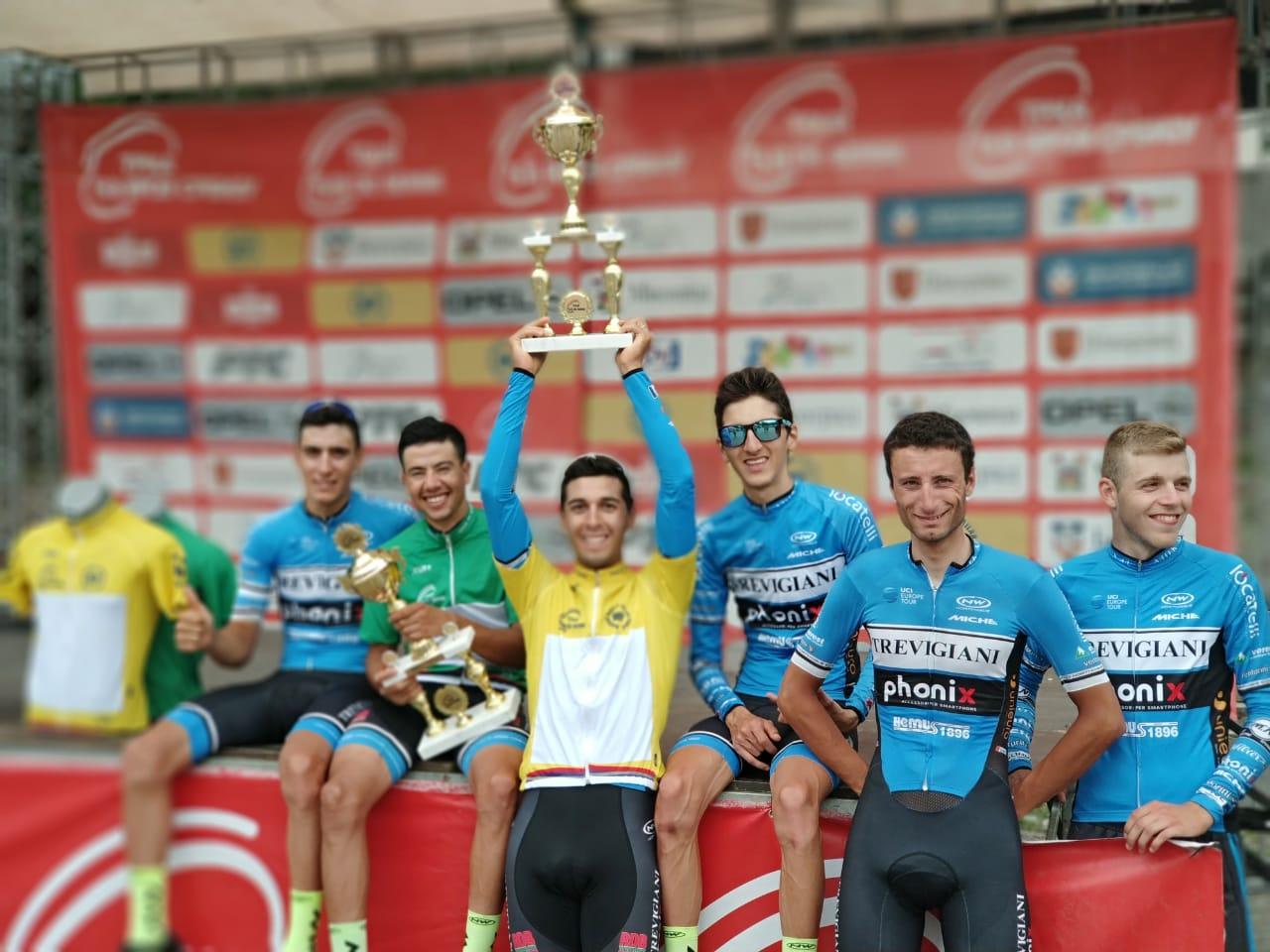 German Nicolas Tivani festeggia la vittoria del Tour of Serbia