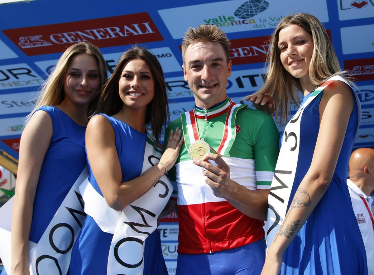 Maglia tricolore e medaglia d'oro per Elia Viviani a Darfo Boario Terme