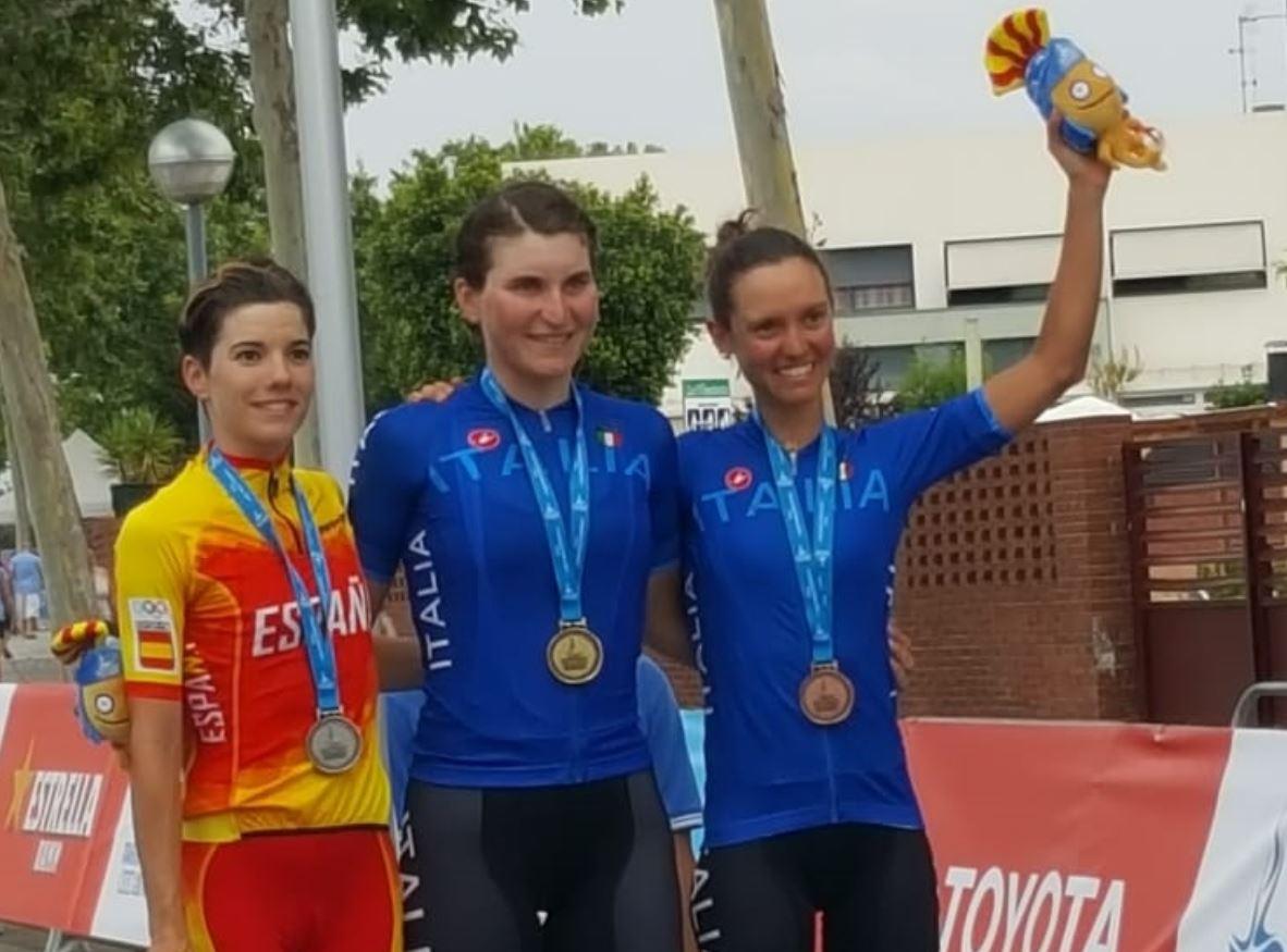 Il podio femminile della prova in linea dei Giochi del Mediterraneo Tarragona 2018 vinta da Elisa Longo Borghini