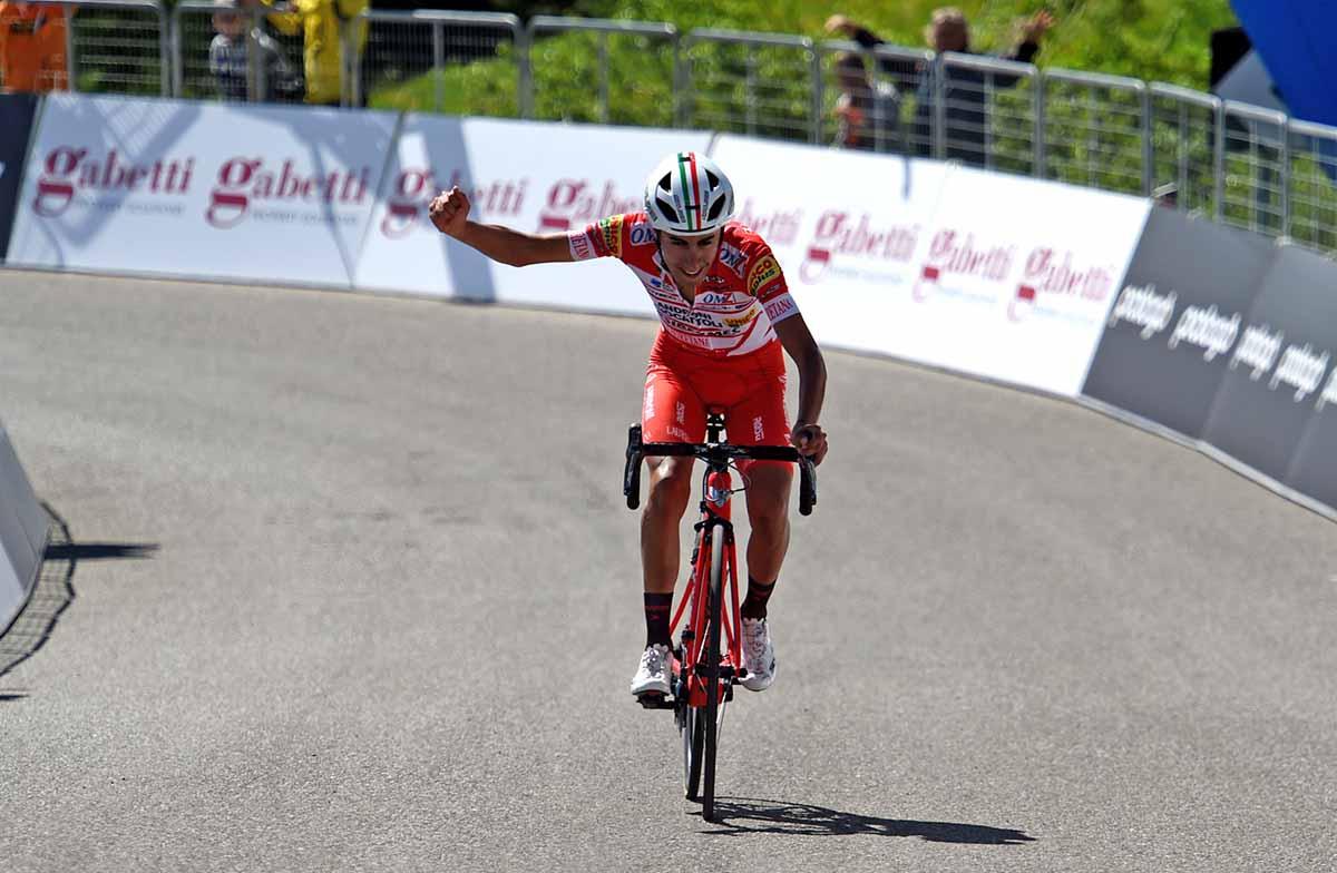 Ivan Sosa vince al Passo Giau la terza tappa dell'Adriatica Ionica Race