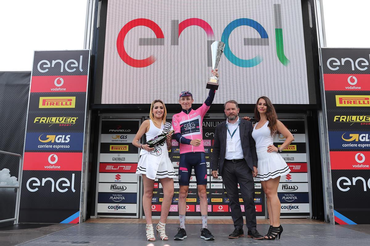 Stephen Williams nuova maglia rosa del Giro d'Italia Under 23 2018