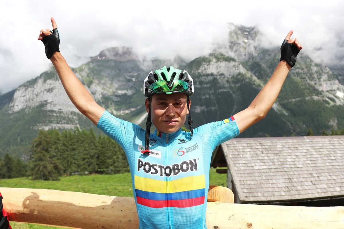 La festa del colombiano Einar Rubio nella quinta tappa del Giro d'Italia Under 23
