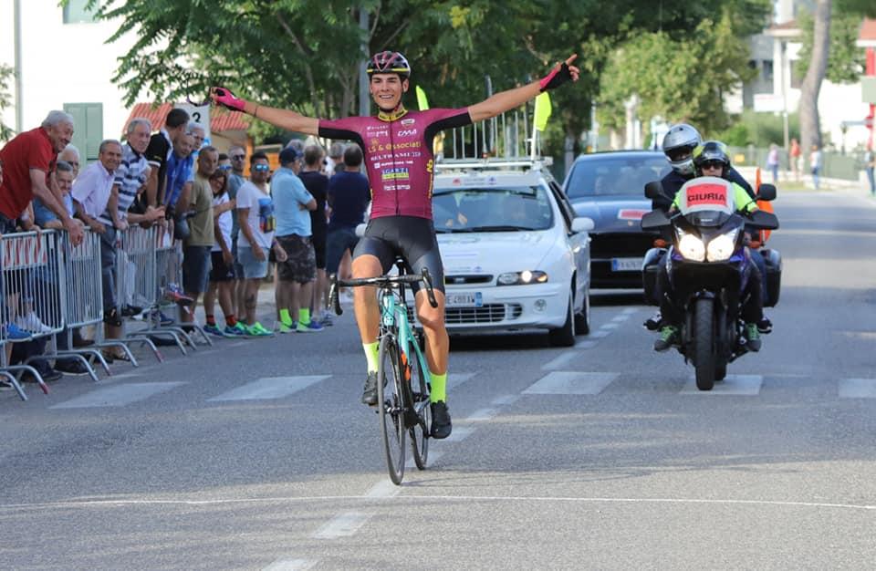 Filippo Baroncini vince a Vallefoglia