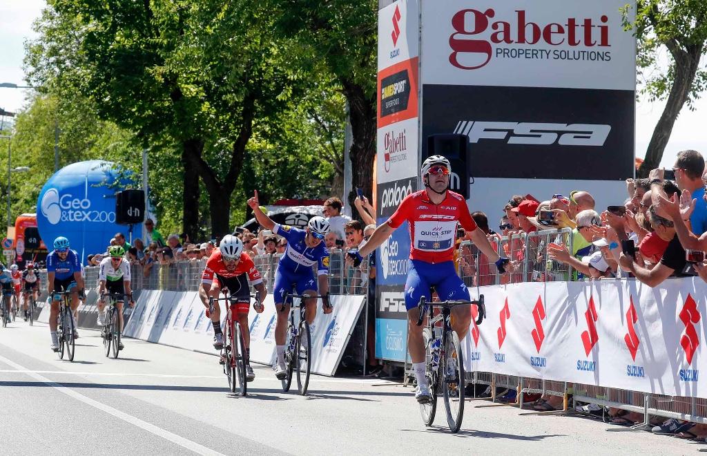 Elia Viviani vince la quarta tappa dell'Ardiarica Ionica Race 2018