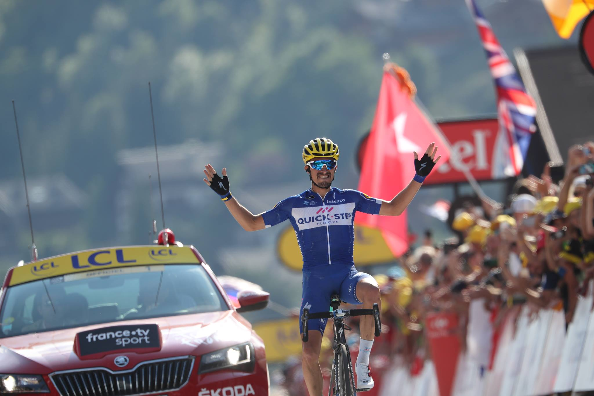 Julian Alaphilippe vince la decima tappa del Tour de France 2018