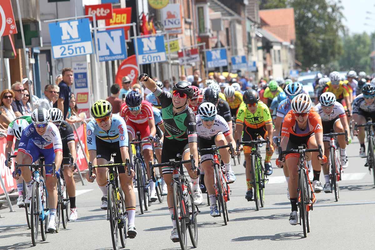 Lorena Wiebes vince la prima semitappa della seconda tappa del BeNe Ladies Tour (foto