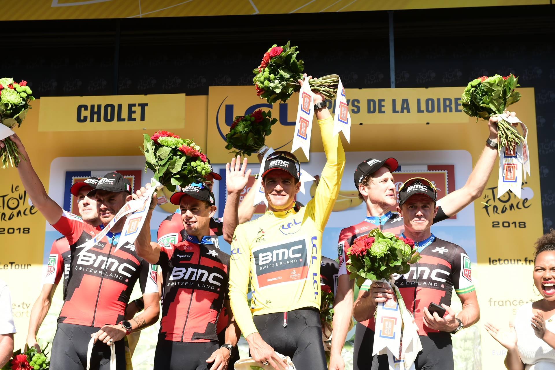 La BMC vince la terza tappa del Tour de France 2018, una cronosquadre. Van Avermaet maglia gialla (foto ASO)