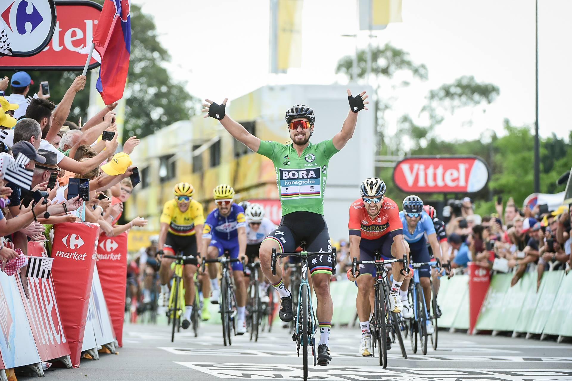 Peter Sagan anticipa Sonny Colbrelli nella quinta tappa del Tour de France 2018