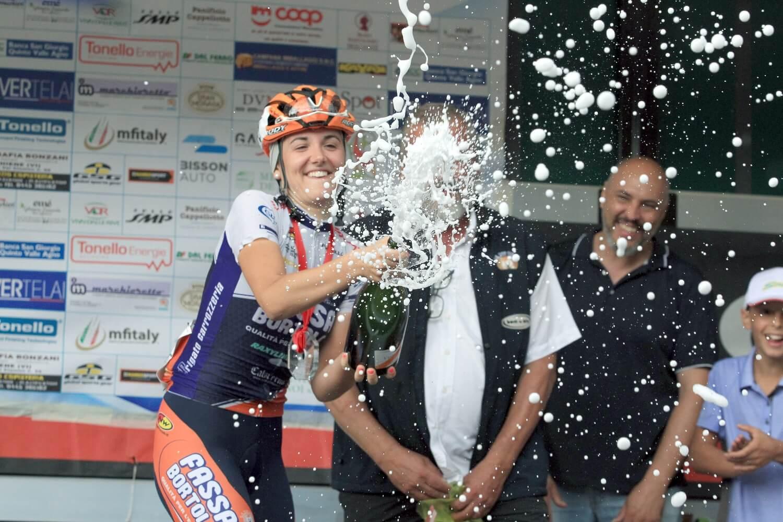 Laura Tomasi sul podio a Sarcedo