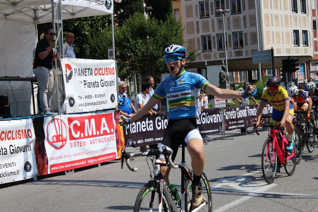 Luca Rinaldi vince la gara Esordienti 2° anno di Breno