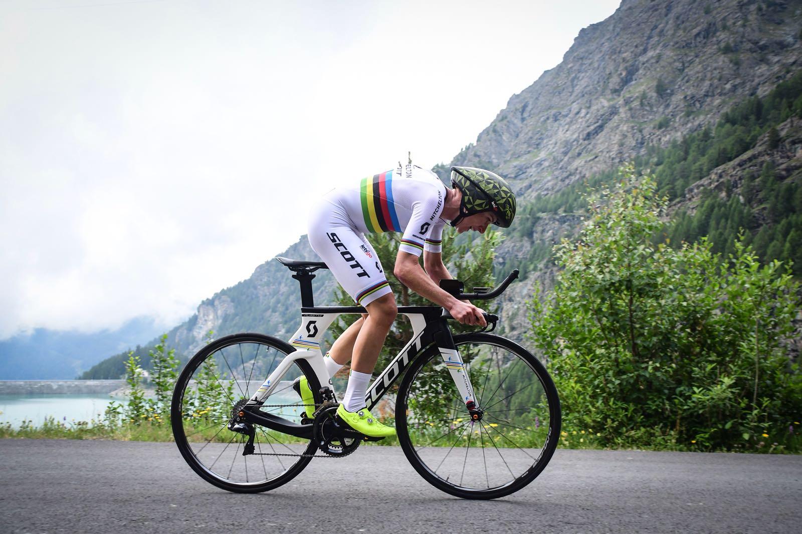 Vleutendomina la cronoscalata valida per la settima tappa del Giro Rosa 2018