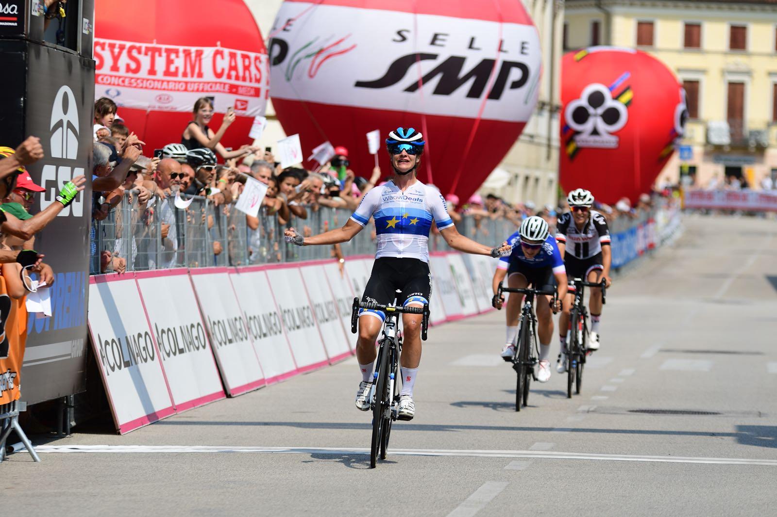 Marianne Vos vince l'ottava tappa del Giro Rosa 2018