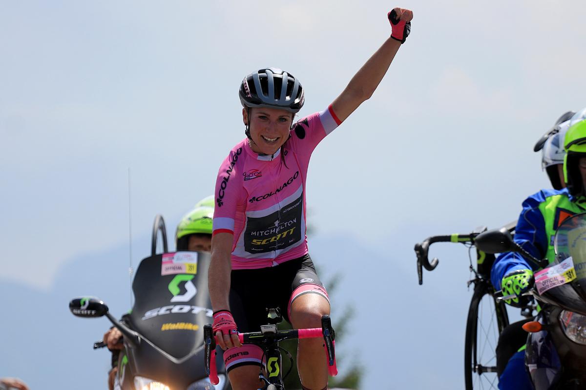 Annemiek Van Vleuten vince in maglia rosa allo Zoncolan la nona tappa del Giro Rosa 2018