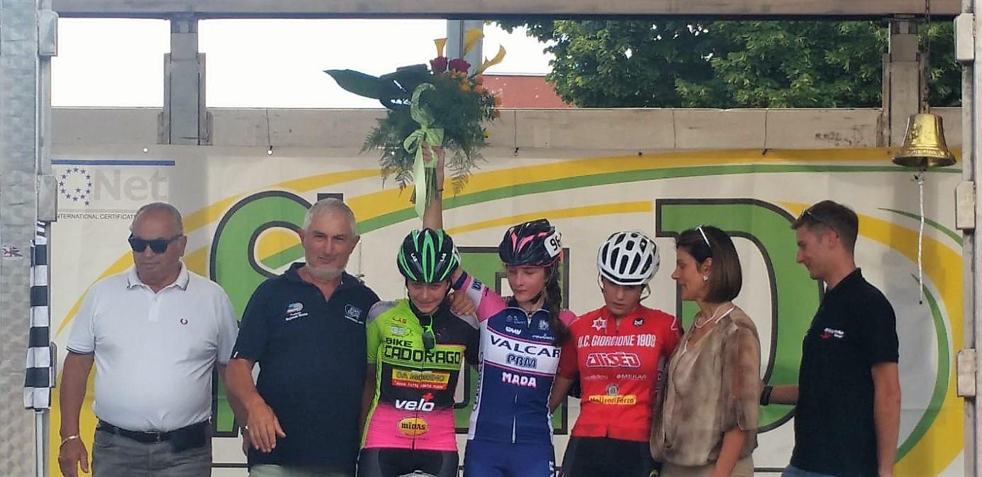 Il podio Donne Esordienti di Loria dove ha vinto Marta Pavesi