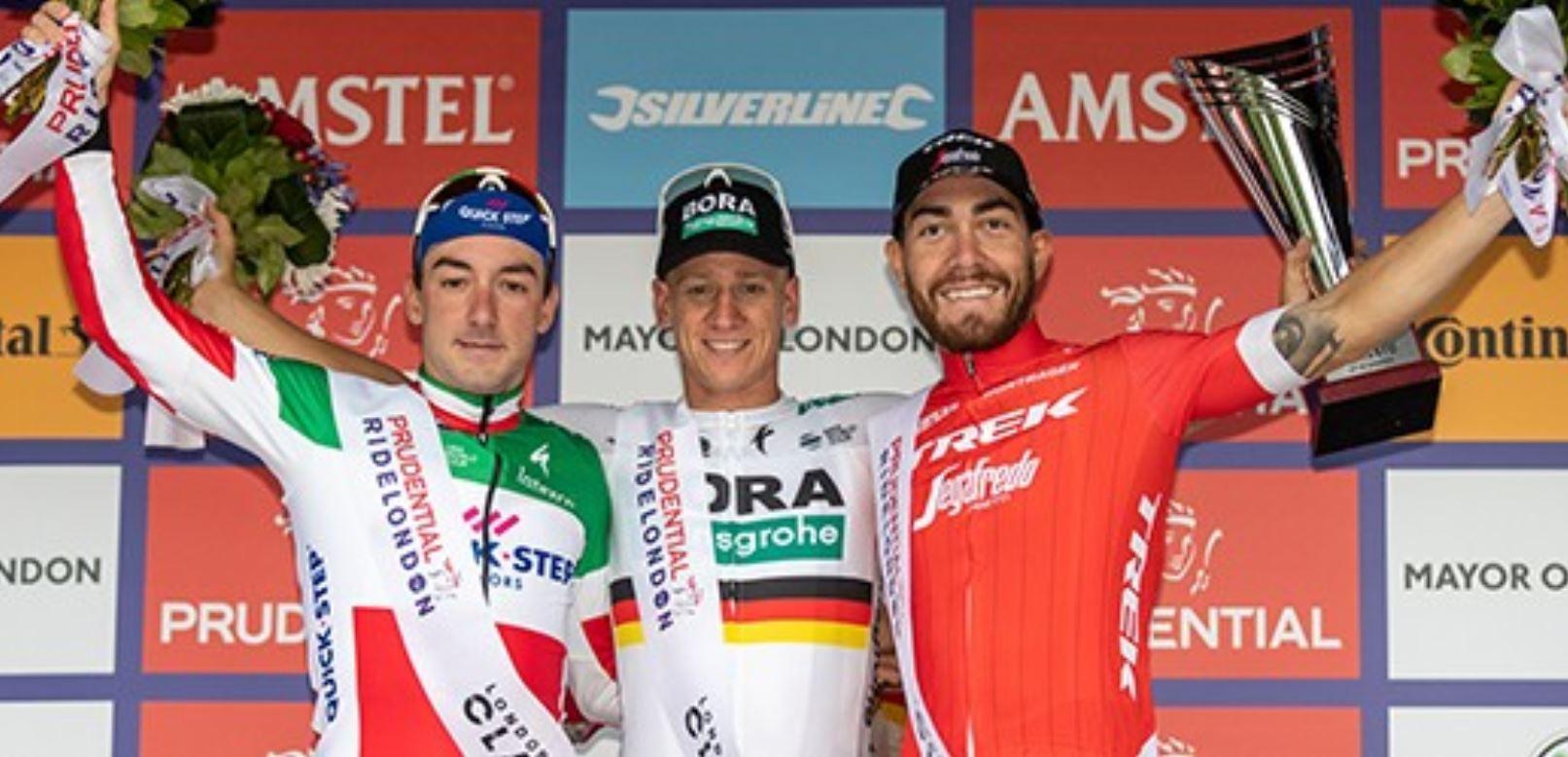 Pascal Ackermann vince la Prudential RideLondon Classique, sul podio con Viviani e Nizzolo