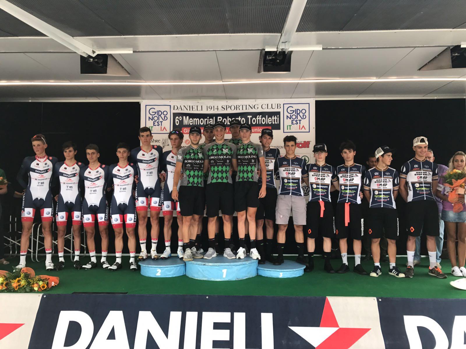 Il podio della prima tappa del Giro del Nord Est d'Italia, la cronosquadre vinta dalla Borgo Molino