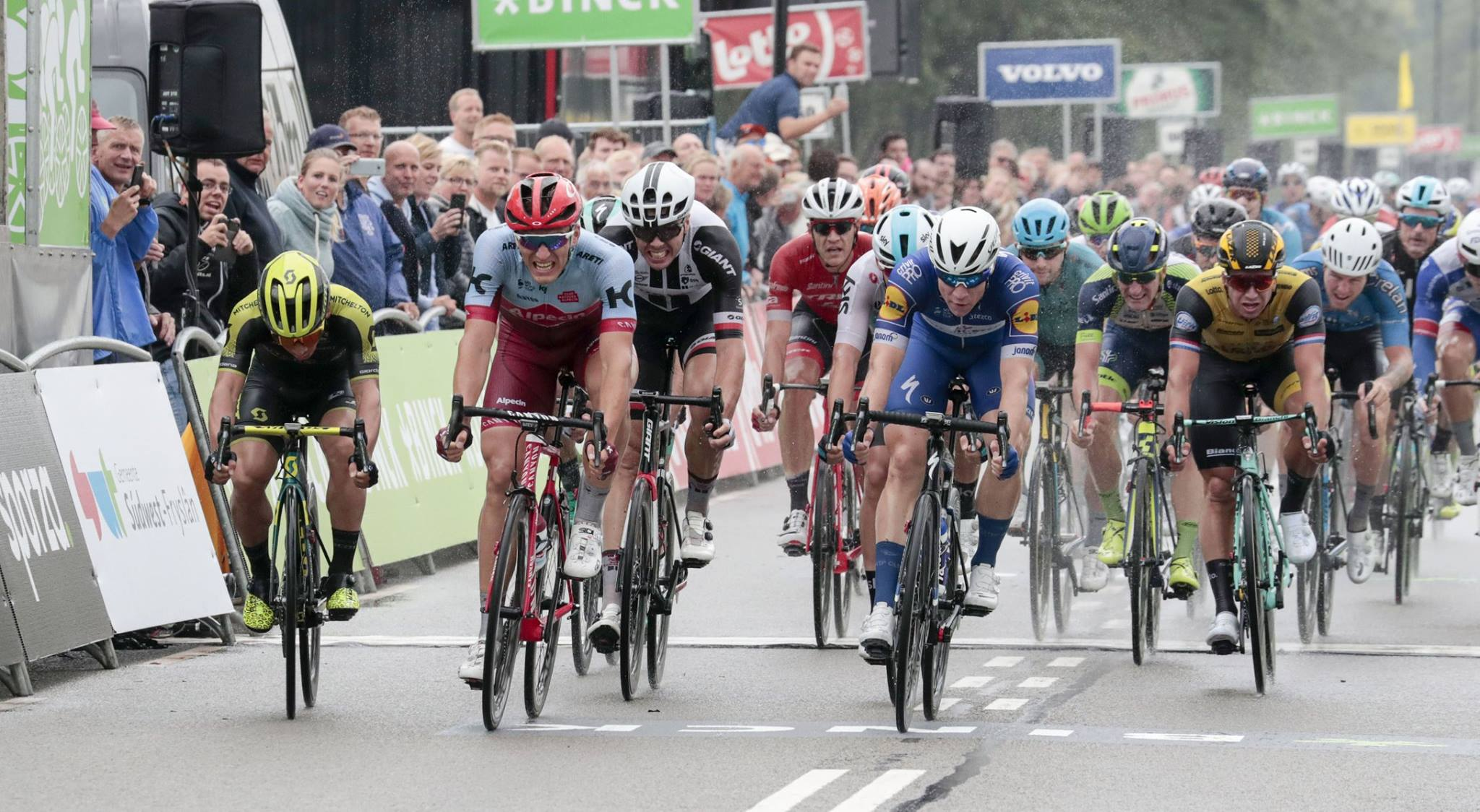 Fabio Jakobsen vince la prima tappa del Binck Bank Tour